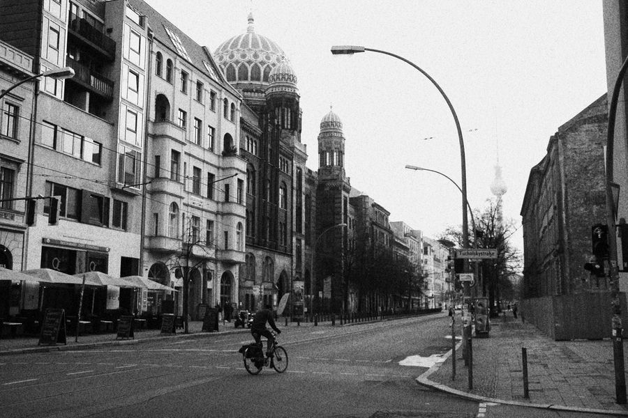 Oranienburger Strasse street photography berlin